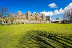 Conwy Castle image 4
