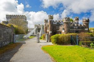 Conwy Castle image 2