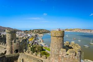 Conwy Castle Town Walls image 9