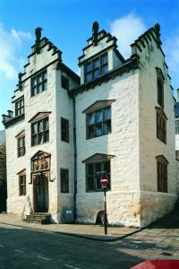 Plas Mawr Main entrance photograph